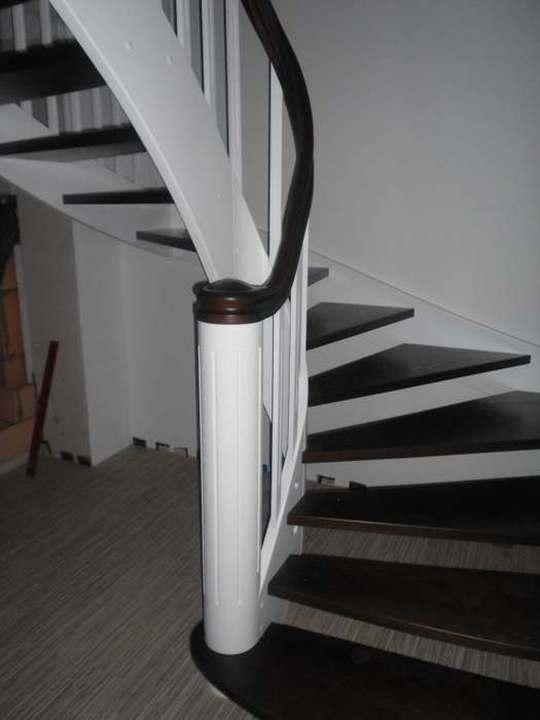 holztreppen treppe 43. Black Bedroom Furniture Sets. Home Design Ideas